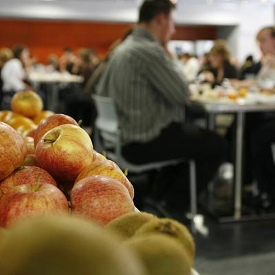 Момчил Неков: Биопродуктите в училище могат да спомогнат в борбата със затлъстяването