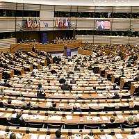 """По предложение на Момчил Неков: Земеделската комисия към ЕП настоява за справедливо финансиране на всички региони по """"Плана Юнкер"""""""