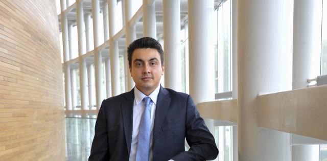 Неков предлага ЕК да защитава българското розово масло във всички международни търговски споразумения