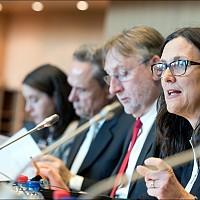 ТПТИ: еврокомисар Малмстрьом защитава в ЕП клаузата за защита на инвеститорите