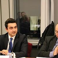 "Момчил Неков и генералният секретар на фондация ""Солидар"" Кони Ройтер по време на дебата в Европарламента."