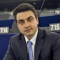 Eвродепутатът Момчил Неков (БСП) предупреждава за последиците от ембаргото, наложено от Русия върху вноса на плодове и зеленчуци и млечни продукти от ЕС